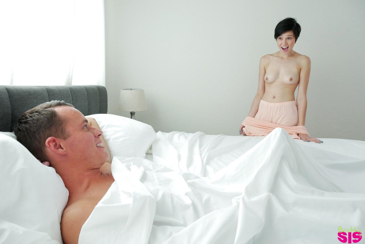 Cumming inside her tight white ass 6